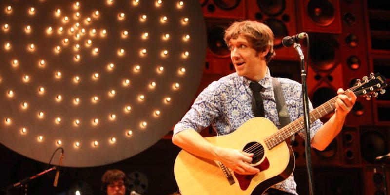 SUNNY AFTERNOON TOUR - Ryan O'Donnell (Ray Davies). Photo Kevin Cummins web